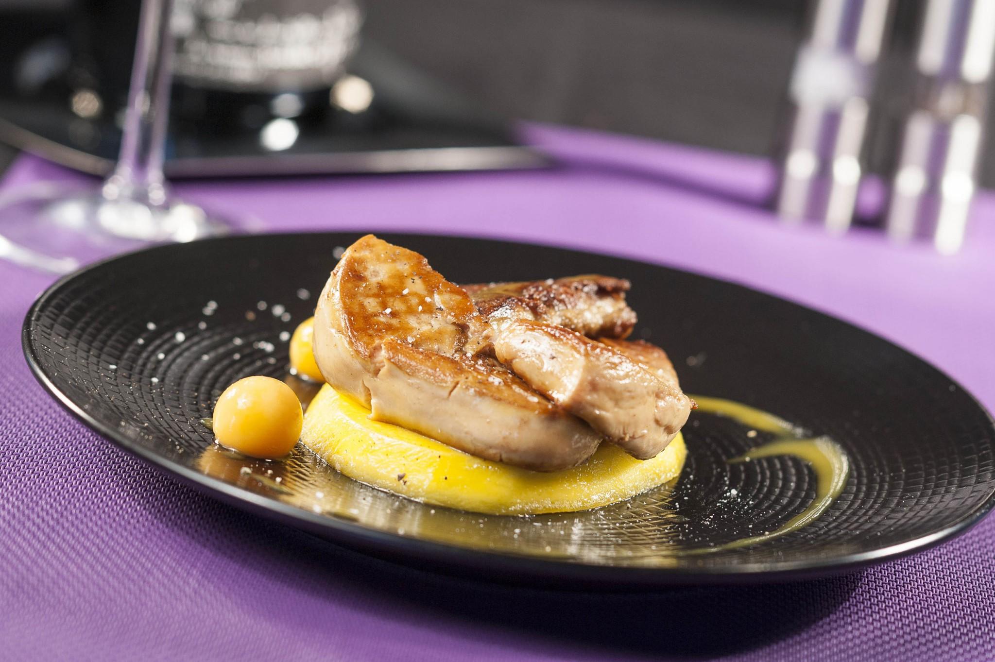 photographie culinaire, foie gras poélé sur mangue